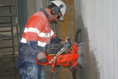 Ringsawing Concrete wall